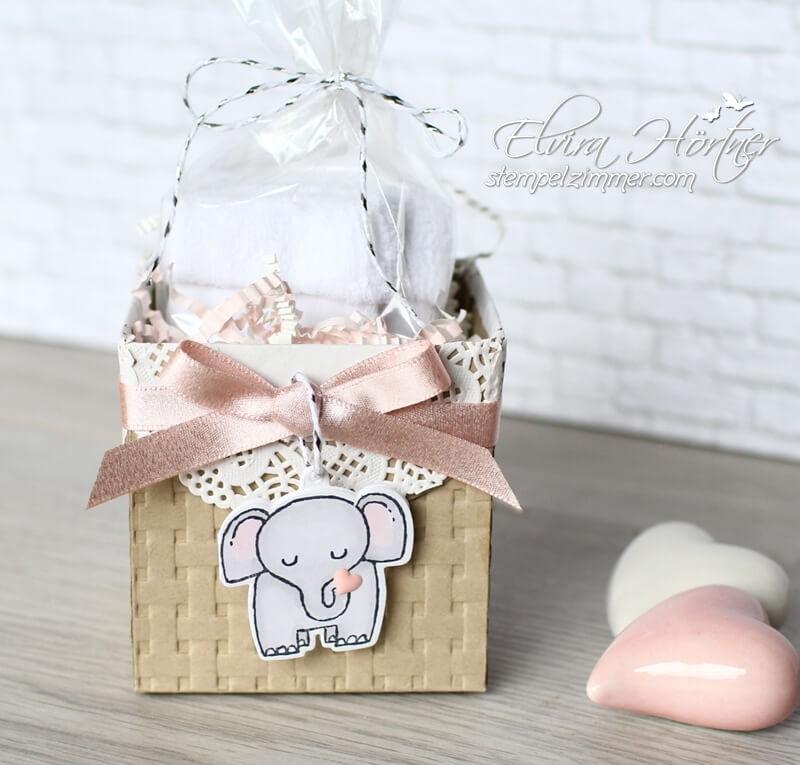 Babybox mit Schachtel voller Liebe-Stampin Up-Tierische Glueckwuensche-Praegefolder Korbgeflecht-SAB-Stempelzimmer