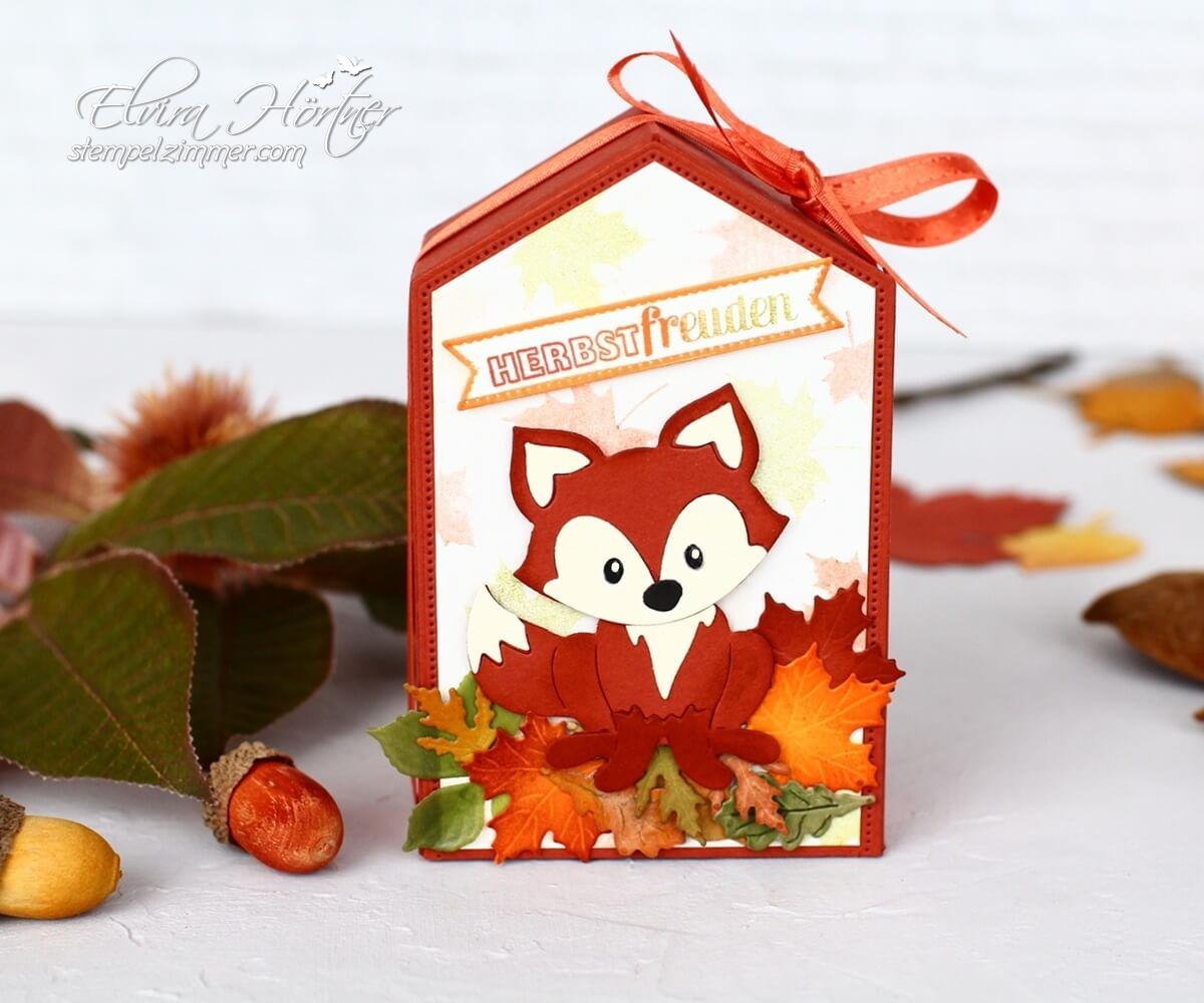 Herbstfreuden-Herbstbeginn-Herbstliche Verpackung mit Fuchs